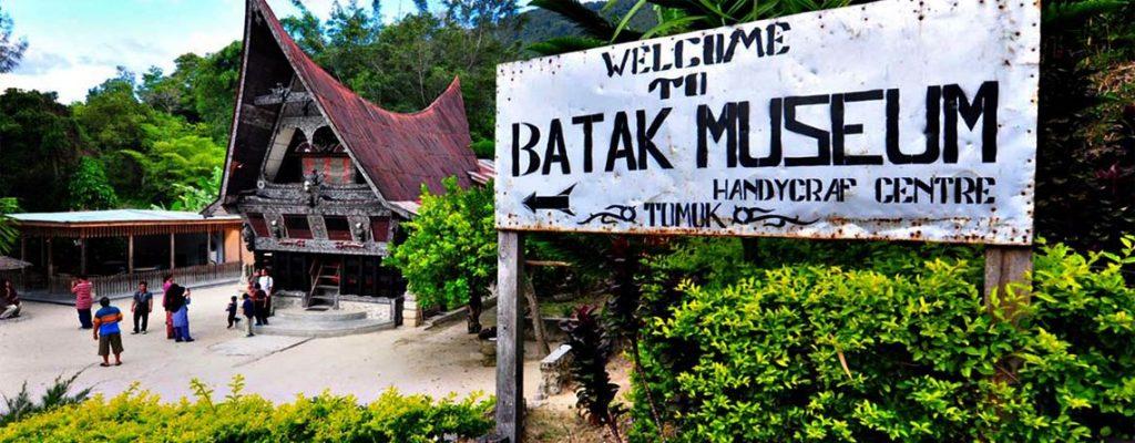 Desa Tomok Samosir